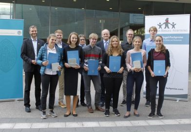 Zwei Auszeichnungen für Facharbeit in Erdkunde